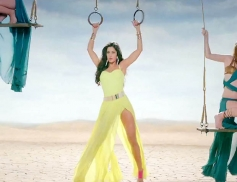 katrina Kaif Too Hot to Handle in Dhoom 3 Title Song