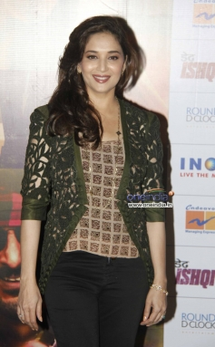 Madhuri Dixit at Dedh Ishqiya theatrical trailer launch