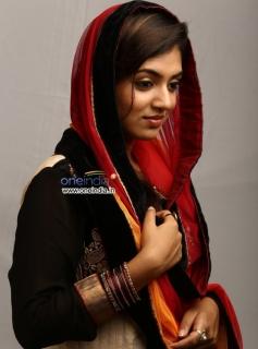 Nazriya Nazim in Salala Mobiles