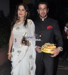 Neelam and Ronit Roy at Sachiin Joshi & Urvashi Sharma's Diwali Bash 2013