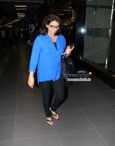 Neetu Singh snapped at Mumbai airport