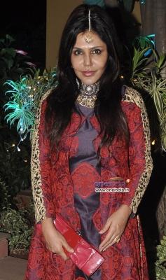 Nisha Jamwal at Sachiin Joshi & Urvashi Sharma aka Raina Joshi's Diwali party