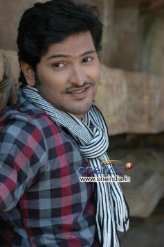 Pranaya Veedhullo