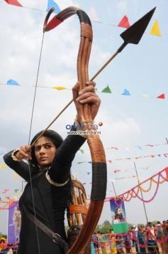 Priyamani still from film Anjatha Chandi