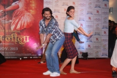 Ranveer and Deepika performs during Ram Leela promotion at Infiniti Mall 2 in Malad