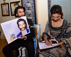 Ranveer and Deepika shares their autograph