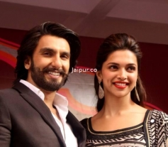 Ranveer Singh and Deepika Padukone poses during the Ram Leela promotion