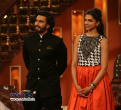 Ranveer Singh and Deepika Padukone promotes Ram Leela on the sets of Comedy Nights with Kapil