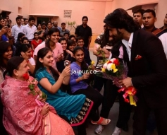 Ranveer Singh welcomed during the Ram Leela film promotion at Jaipur