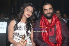 Amala Paul and R.Madhavan at RITZ Icon Awards