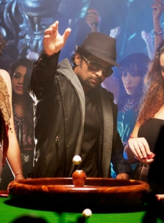 Sachiin Joshi still from film Jackpot
