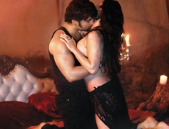 Sachiin and Sunny Leone in steaming scenes still from Jackpot