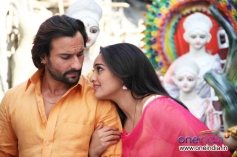 Saif Ali Khan and Sonakshi Sinha still from film Bullet Raja