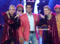 Salman Khan on the sets of Big Boss 7