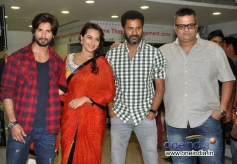Shahid and Sonakshi along with Prabhu Deva at promotion of film R... Rajkumar