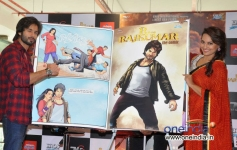Shahid and Sonakshi unveiled the comic series based on their movie R Rajkumar