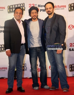 Shahrukh Khan along with Rohit Shetty at Zee TV's success party for film Chennai Express