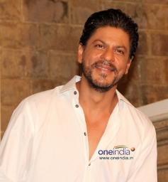 Shahrukh Khan during his 48th birthday celebration