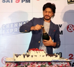 Shahrukh Khan pops Champagne at Zee TV's success party for film Chennai Express