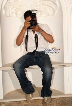 Shahrukh Khan snapped holding camera