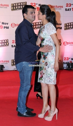Siddharth Roy Kapur and Deepika Padukone at Zee TV's success party for film Chennai Express