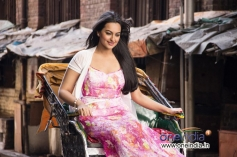Sonakshi Sinha still from Saamne Hai Savera film Bullet Raja