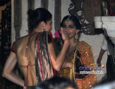 Sonam Kapoor with her sister Rhea Kapoor at her Diwali Bash 2013