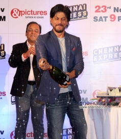 SRK opened the champagne bottle at Zee TV's success party for film Chennai Express