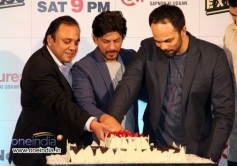 SRK with Rohit Shetty cut the cake during the Zee TV's success party for film Chennai Express