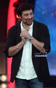 Sunny Deol promotes his film Singh Sahab The Great on the sets of Big Boss