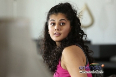 Tapasee Pannu in Telugu Movie Aata Arambham