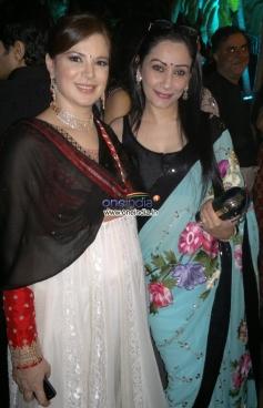 Urvashi Sharma aka Raina Joshi and Manyata Dutt at Sachiin and Urvashi's Diwali party