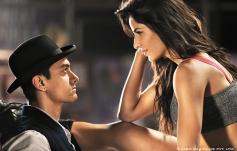 Aamir Khan and Katrina Kaif still from film Dhoom 3 - Kamli song