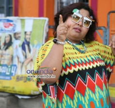 Aarthi in Tamil Movie Saravana Poigai
