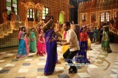 Amala Paul and Fahad Fazil in Malayalam Movie Oru Indian Pranayakatha