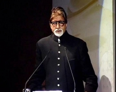 Amitabh Bachchan adressing media during a special event at the Rashtrapati Bhavan Auditorium