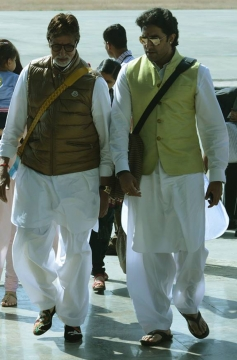 Amitabh Bachchan along with his son Abhishek Bachchan snapped at Bhopal airport