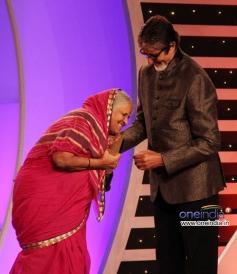 Amitabh Bachchan at CNN-IBN's Senior Citizen Awards 2013