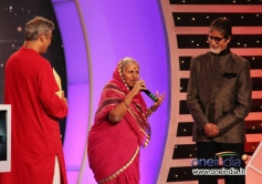 BIG B during the CNN-IBN's Senior Citizen Awards 2013