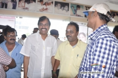 Celebs arrive at Saravana Poigai movie audio launch
