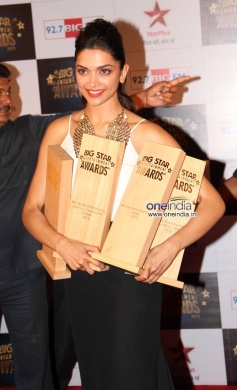 Deepika Padukone at the Big Star Entertainment Awards 2013