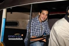 Dino Morea arrives Olive restaurant in Auto Rickshaw