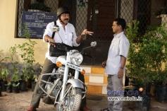 Jayaram and Dharmajan in Malayalam Movie Onnum Mindathe