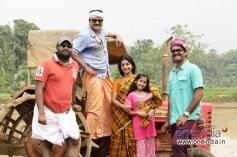 Jayaram, Meera Jasmine in Malayalam Movie Onnum Mindathe