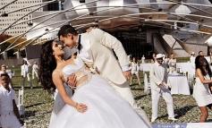 Katrina Kaif and Aamir Khan romantic still from film Dhoom 3