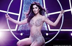 Katrina Kaif still from film Dhoom 3 - Malang song