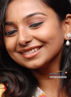 Mridhula in Tamil Movie Chikkiku Chikkikichu