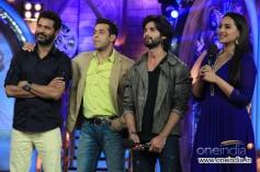 Prabhu Deva, Salman Khan, Shahid Kapoor and Sonakshi Sinha during film R Rajkumar promotion