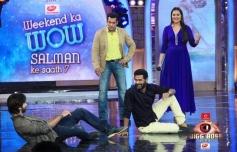 Prabhu Deva and Shahid Kapoor performs during R Rajkumar promotion at Bigg Boss 7