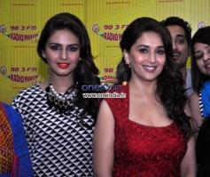 Huma Queshi & Madhuri Dixit at Promotion of Film Dedh Ishqiya at Radio Mirchi
